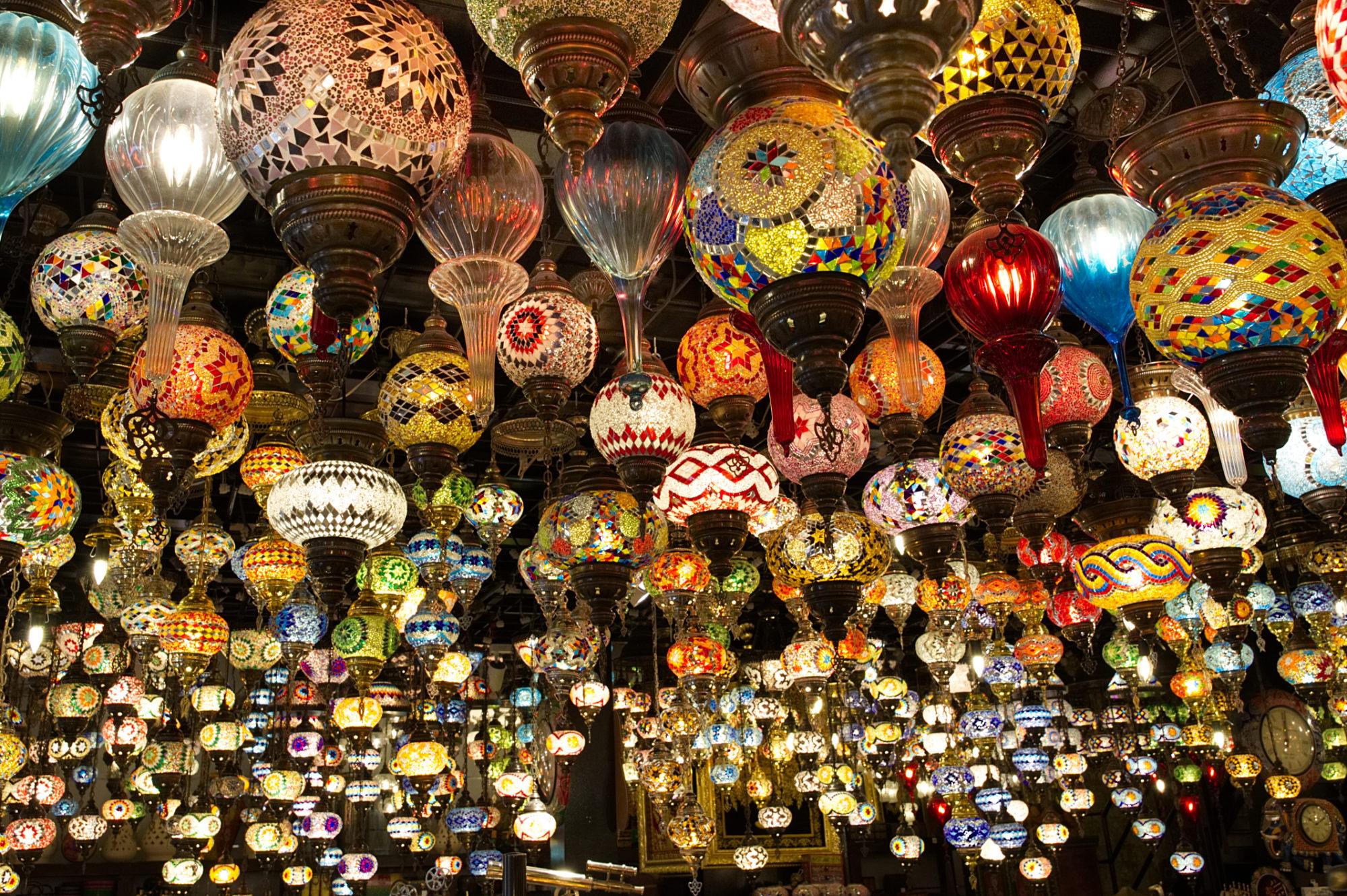 Lampenladen im Souk von Bahrain