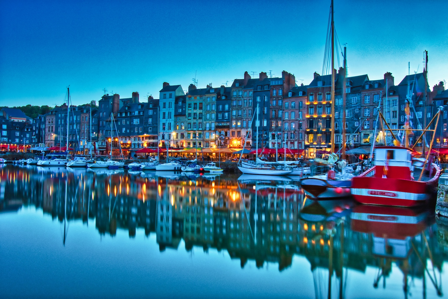 The port of Honfleur at the blue hour