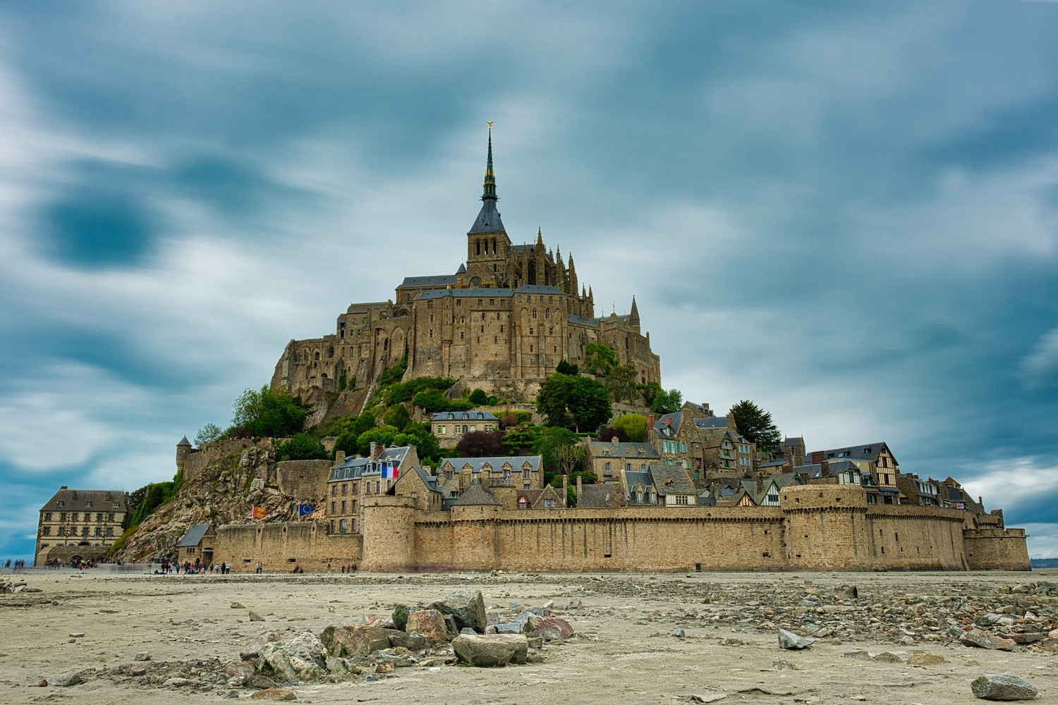 This picture of Mont St. Michel is a lie: It looks deserted, but it is only because of the long exposure.