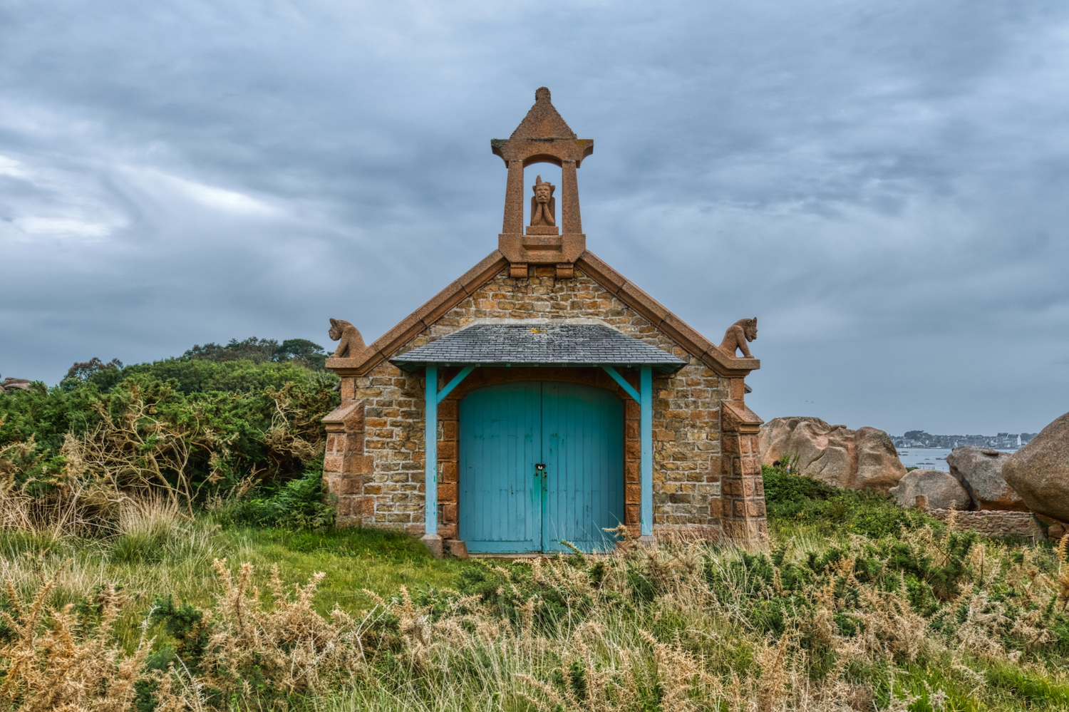 Old chapel on the coastline of Ploumanach