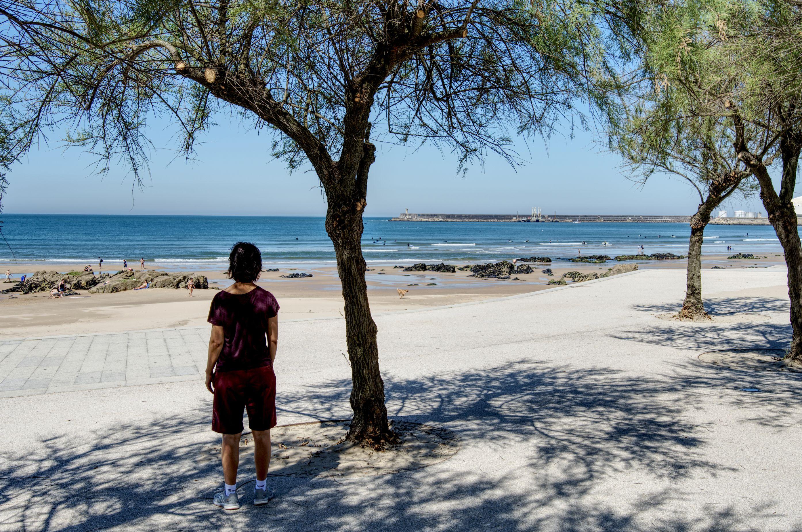 Sportler an der Strandpromenade Portos