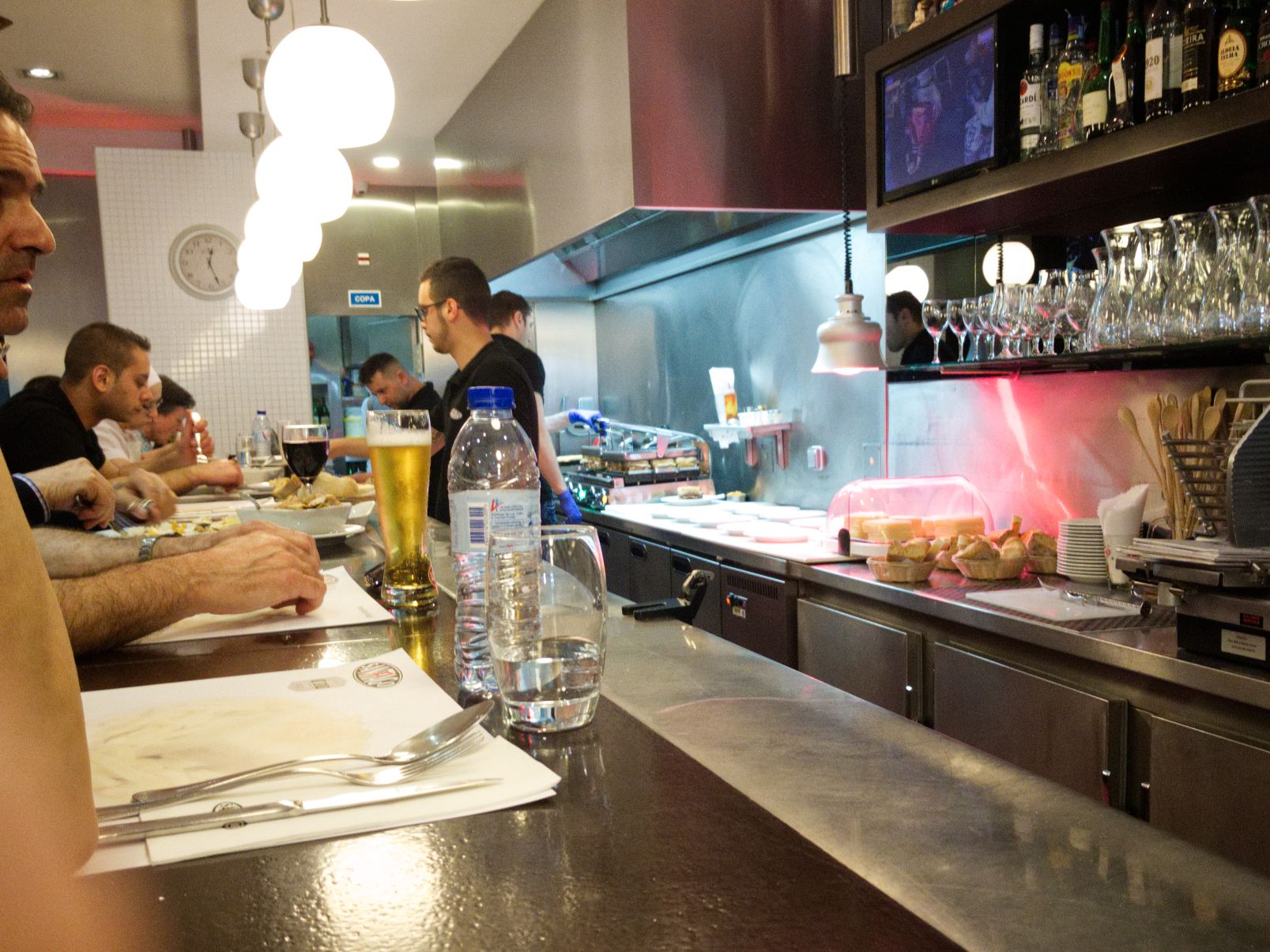 The Francesinhas are fried behind the counter, baked and then served to the hungry guests Café Santiago