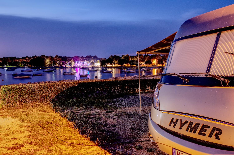 Unser Stellplatz direkt am Wasser auf dem Campingplatz Polari in Rovinj
