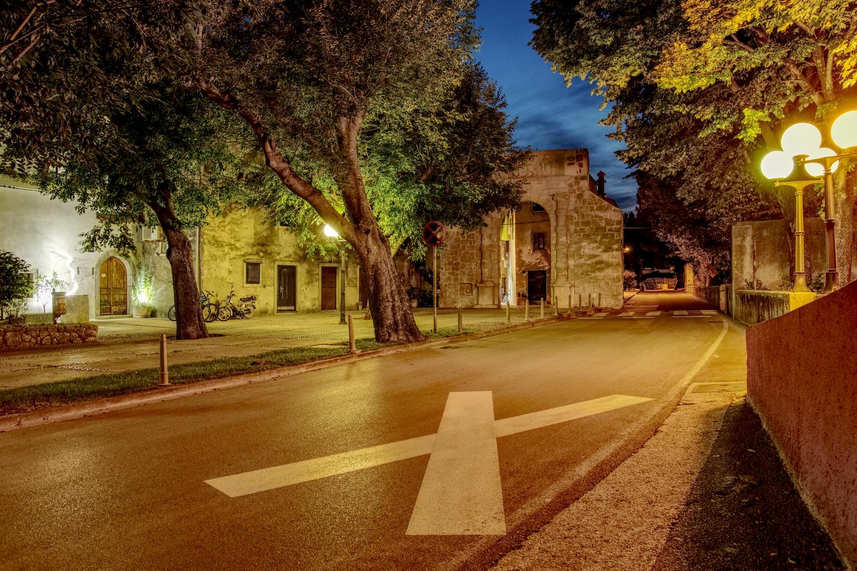 Auch die Hinterstrassen der Stadt Cres bieten eine tolle Atmosphäre