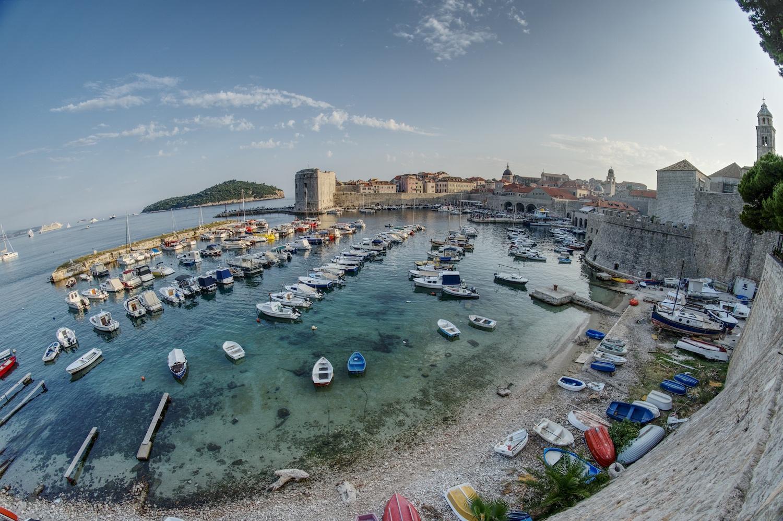 Der Hafen in der Altstadt von Dubrovnik