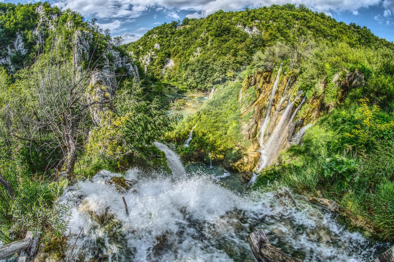 Einer der größten Wasserfälle im Nationalpark Plitvicer Seen