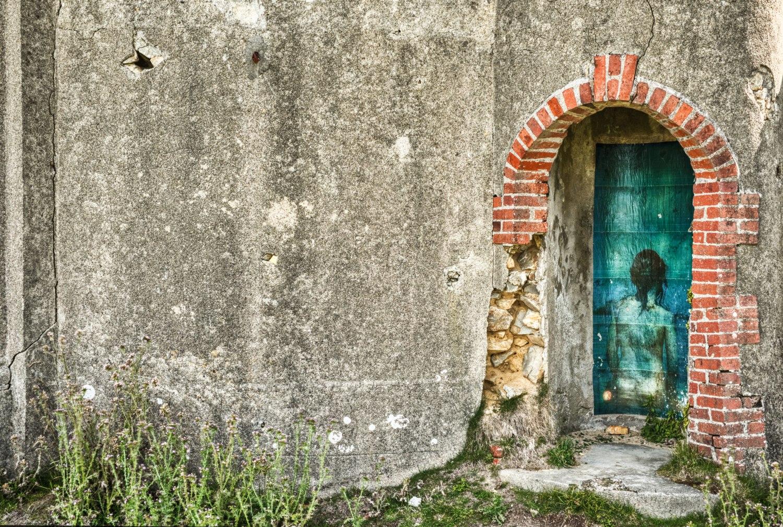 """Malerei auf den Überbleibseln des """"Manoir De Coecilian"""" in Camaret sur mer"""