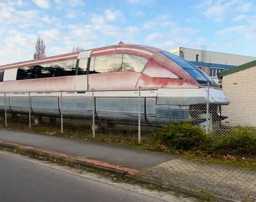 Vergessener Transrapid am Besucherzentrum der Trnsrapid Versuchsstrecke Emsland