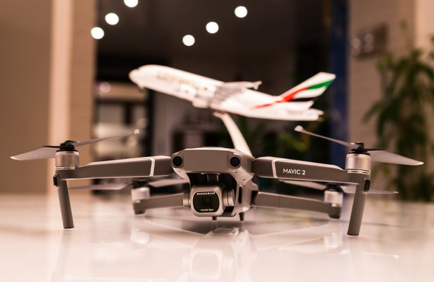 Transport Batteries of drones safely in airplanes / hand luggage
