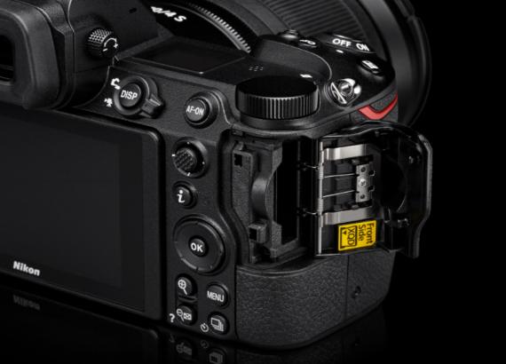 Speicherkartenslot der Nikon Z6