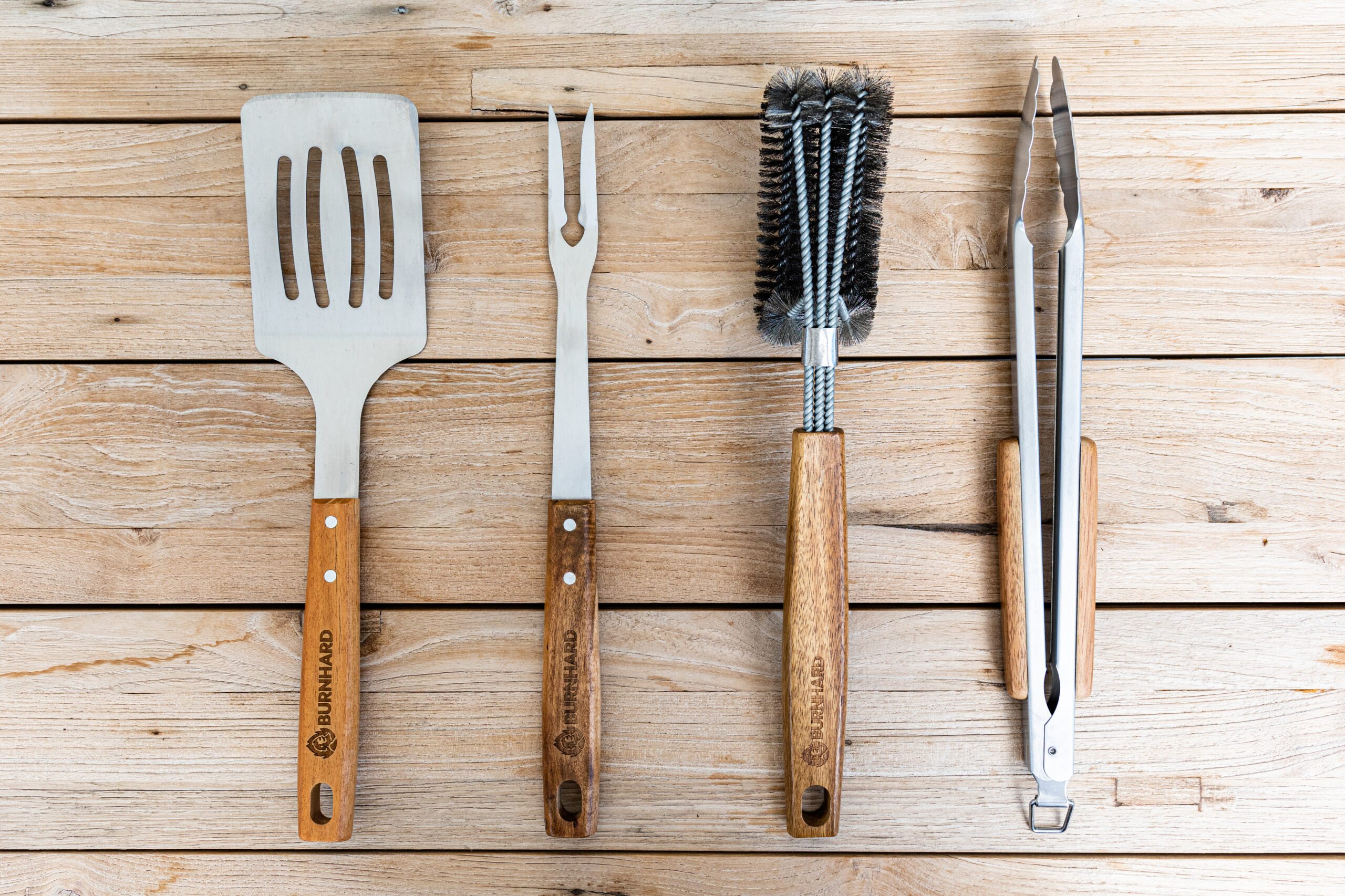 Noble barbecue cutlery made of acacia wood and stainless steel by Burnhard