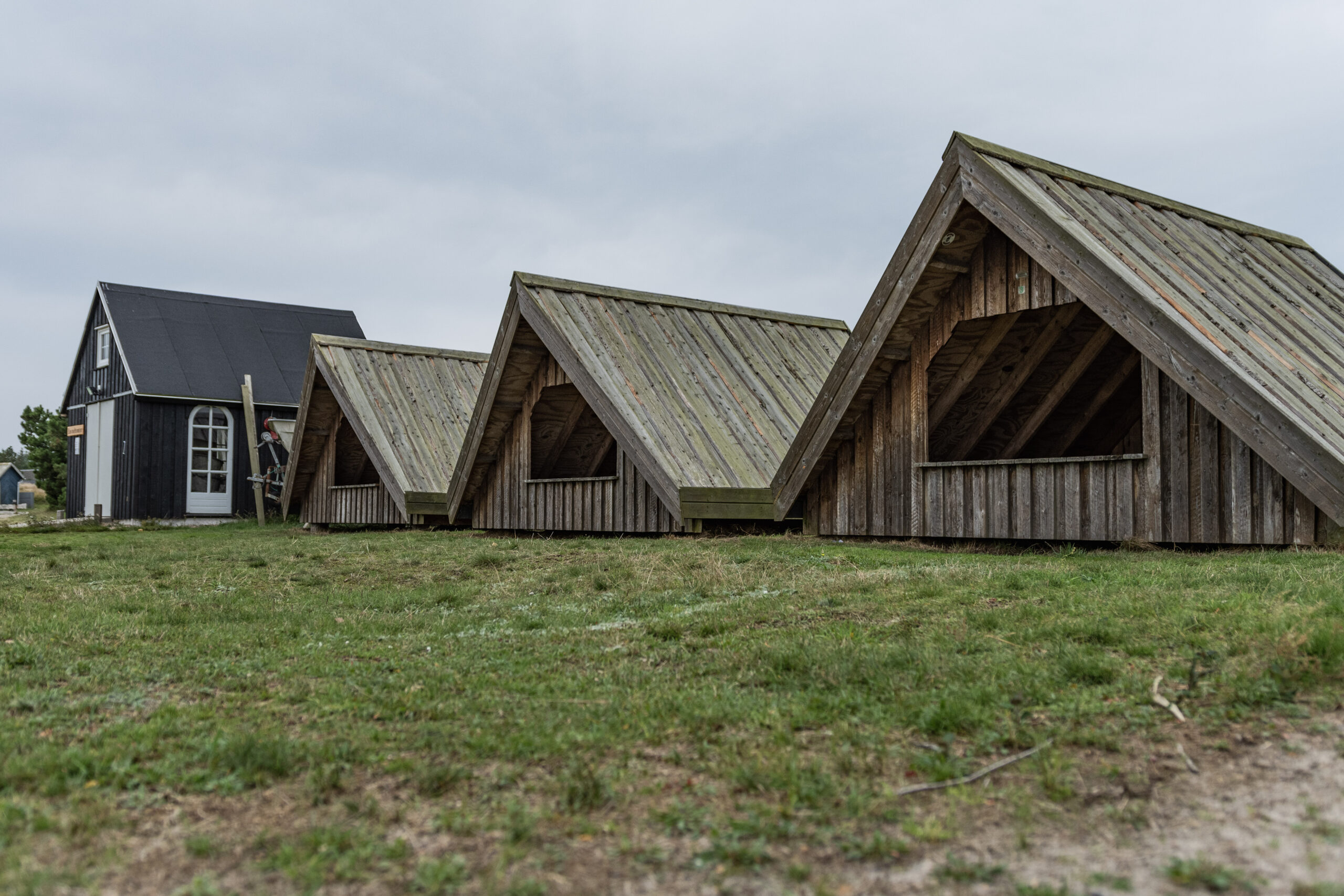 Shelter-Hütten am Lyngvig Havn Fjordhafen