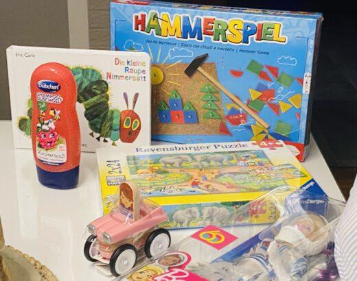 Geschenkideen für Weihnachten im Schuhkarton für Kinder
