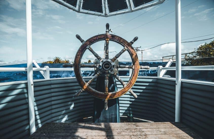 Seekarten sicher und platzsparend transportieren