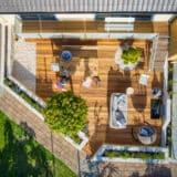Bangkirai Holz auf der Terrasse und Teakmöbel richtig ölen