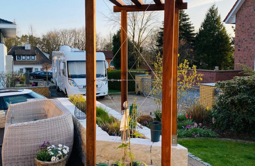 Build trellis climbing aid from stainless steel cables