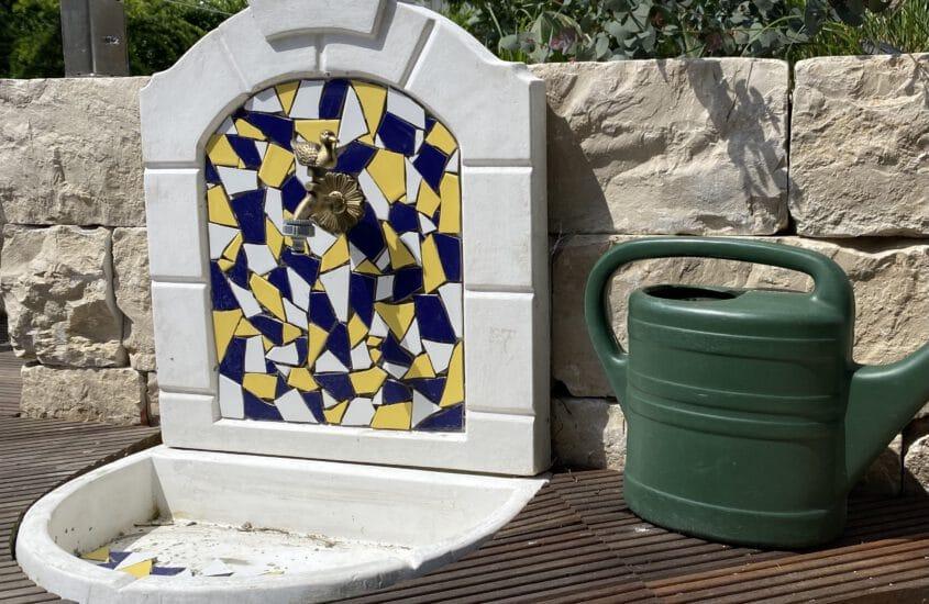 Anleitung + Einkaufsliste: Kleine Mosaike aus Fliesenbruch selber legen
