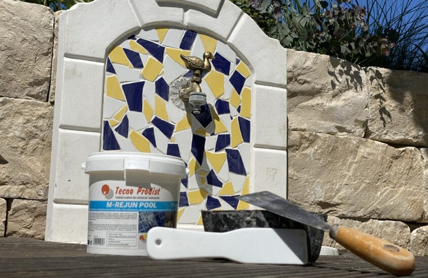 Grout tiles and mosaics in fountains, pools, outdoor showers
